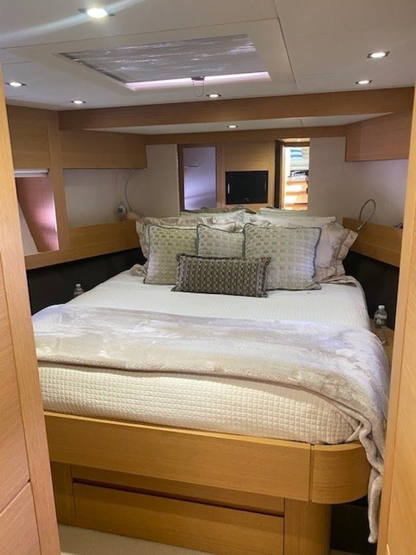 2013 Pershing 64'  SoundView   Picture 4 of 33
