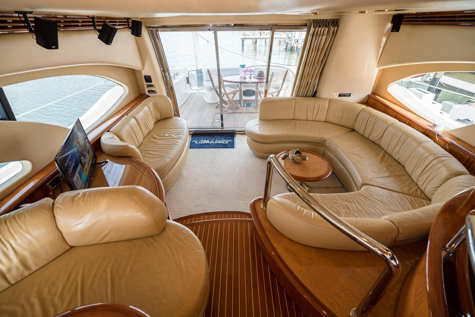 2004 Azimut 62'  SERENITY   Picture 7 of 78