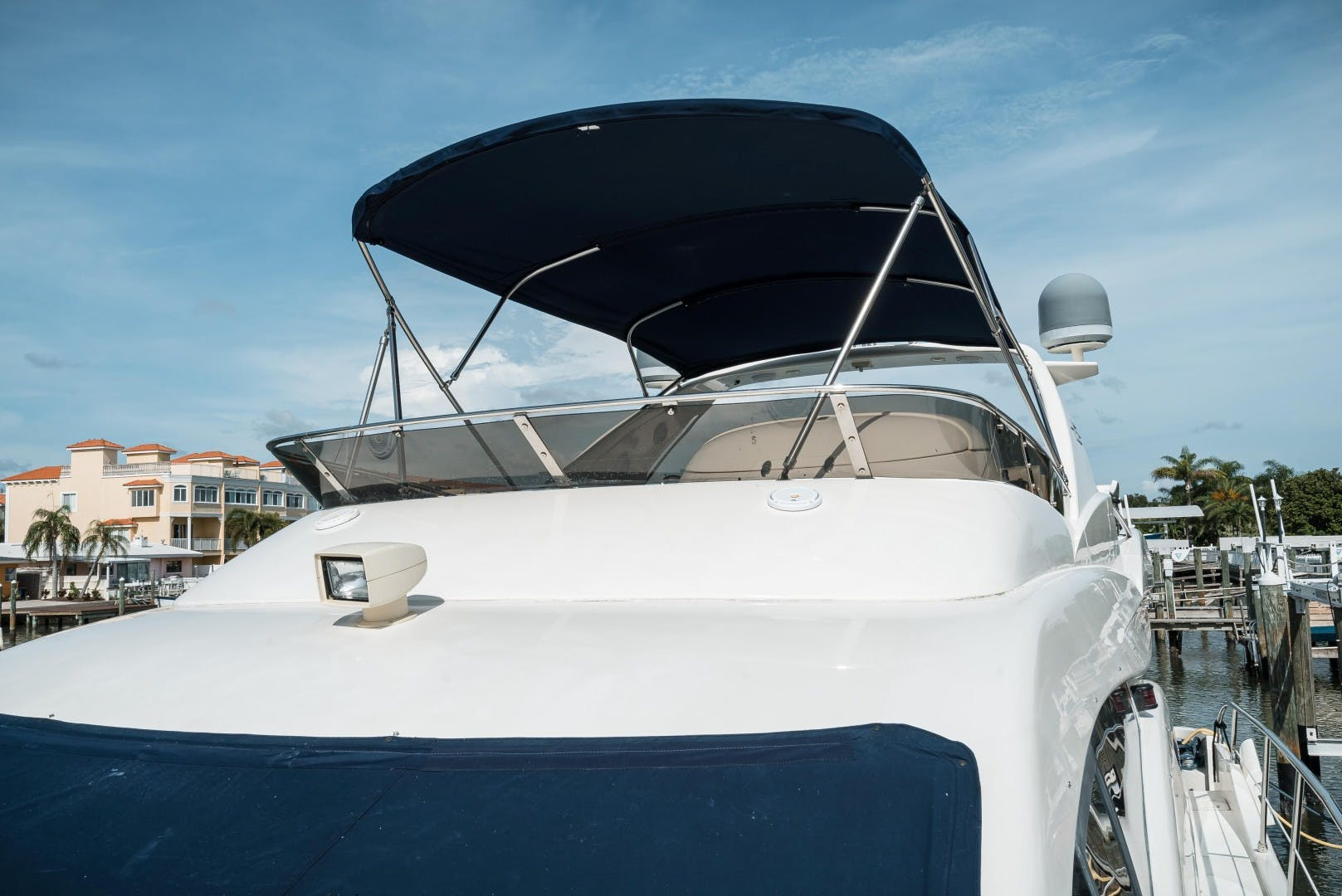 2004 Azimut 62'  SERENITY   Picture 3 of 78
