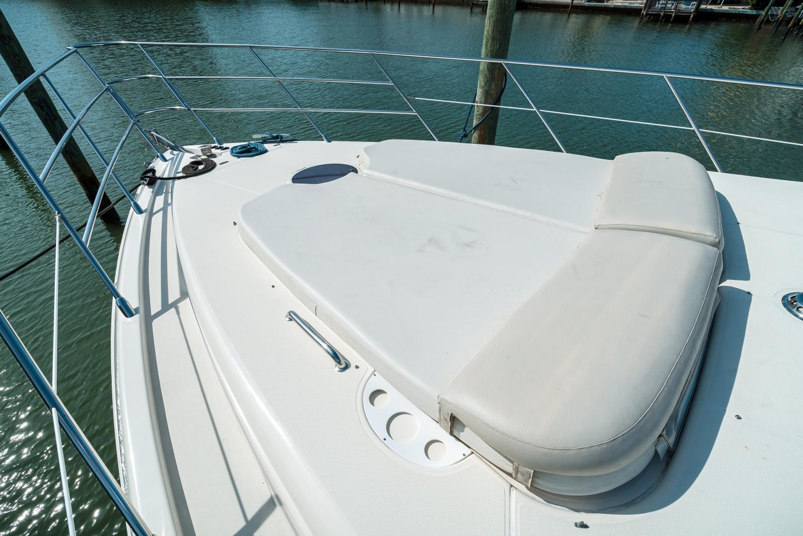 2004 Azimut 62'  SERENITY   Picture 4 of 78