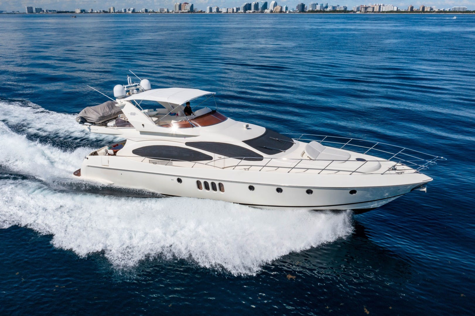 2005 Azimut 68' Plus with Flybridge Forever   Picture 1 of 86