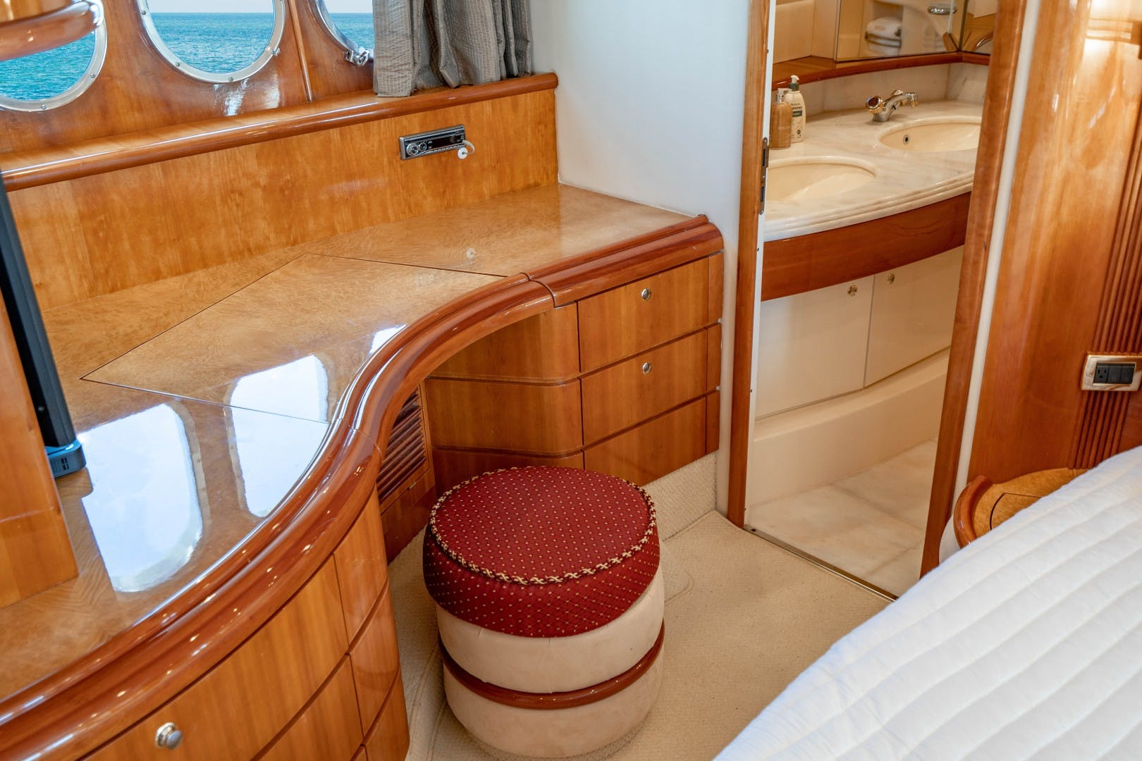 2005 Azimut 68' Plus with Flybridge Forever   Picture 4 of 86