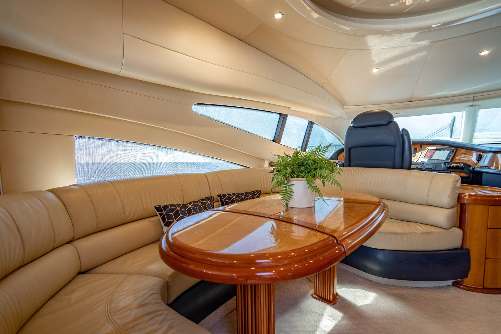 2005 Azimut 68' Plus with Flybridge Forever   Picture 3 of 86