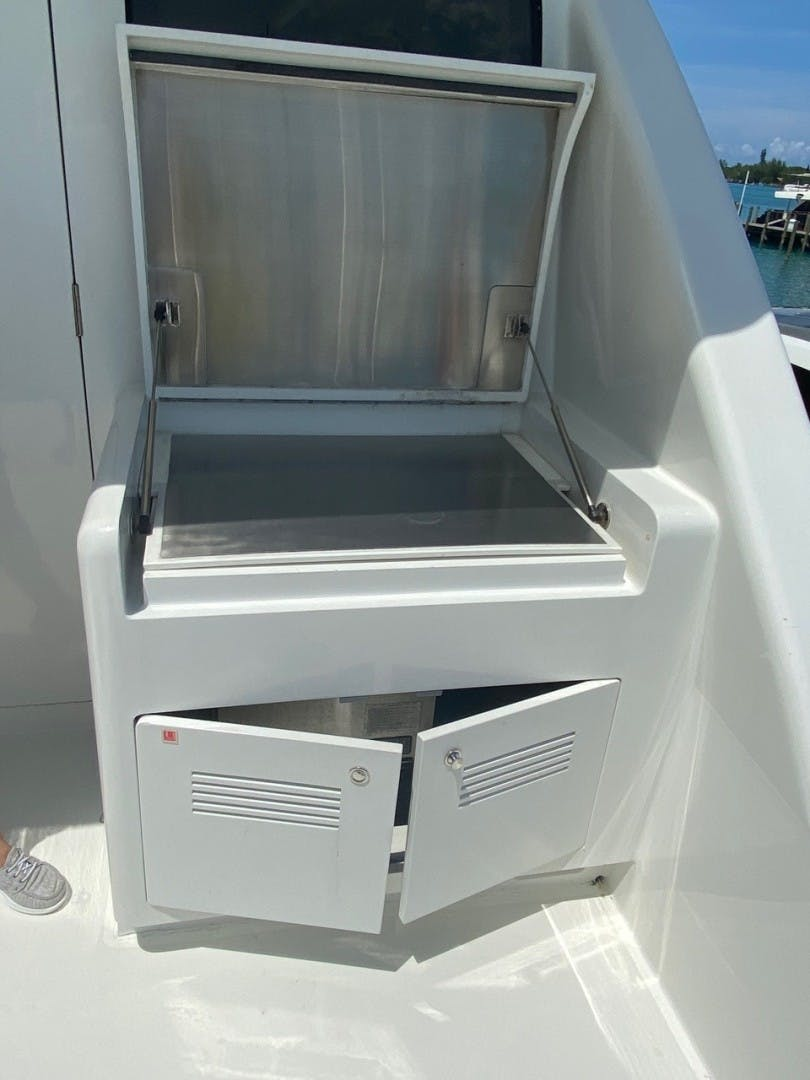 2004 Cheoy Lee 81' Sport EQUINOX   Picture 7 of 45