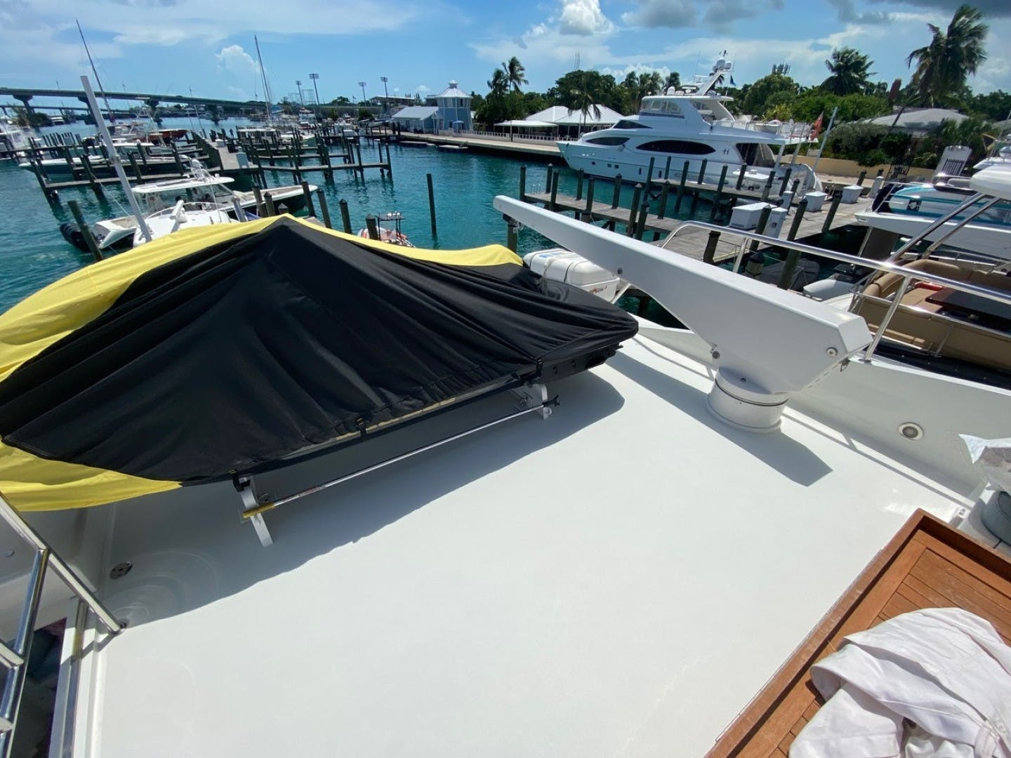 2004 Cheoy Lee 81' Sport EQUINOX   Picture 6 of 45
