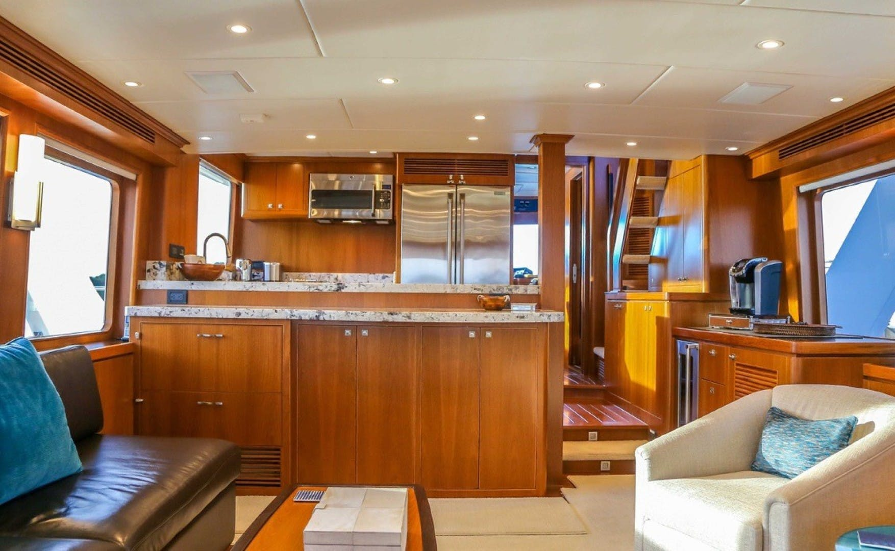 2017 Offshore Yachts 80' Pilothouse Let It Bee | Picture 3 of 11
