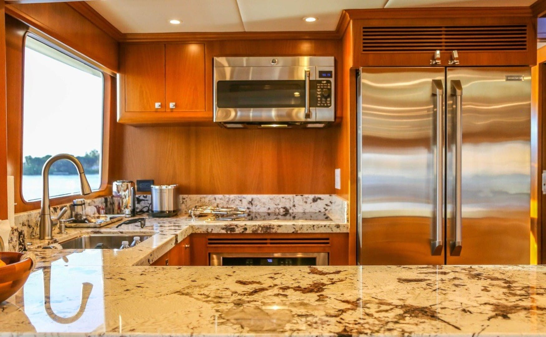 2017 Offshore Yachts 80' Pilothouse Let It Bee | Picture 4 of 11
