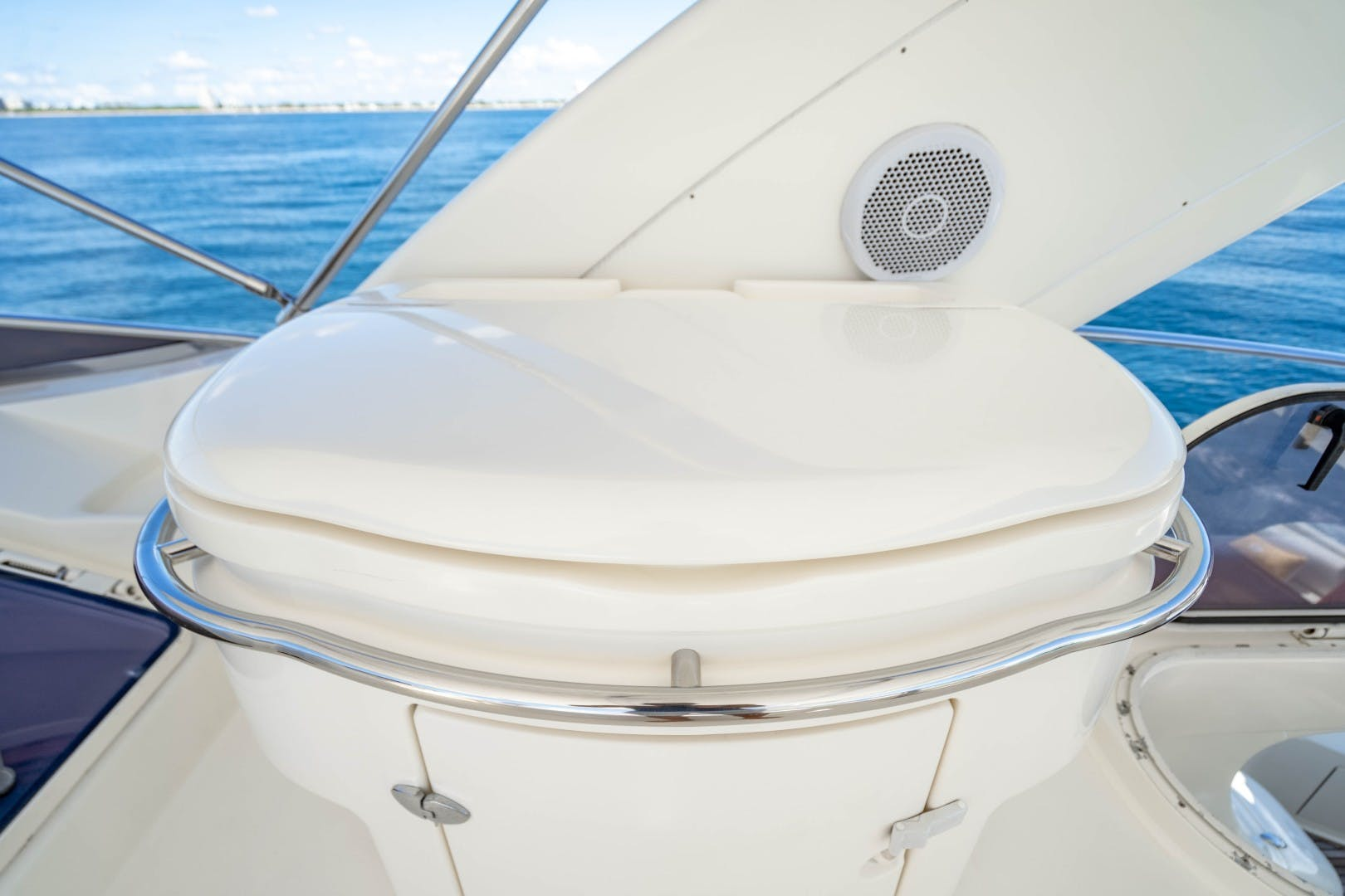 2005 Azimut 68' 68 Plus  Forever | Picture 4 of 59