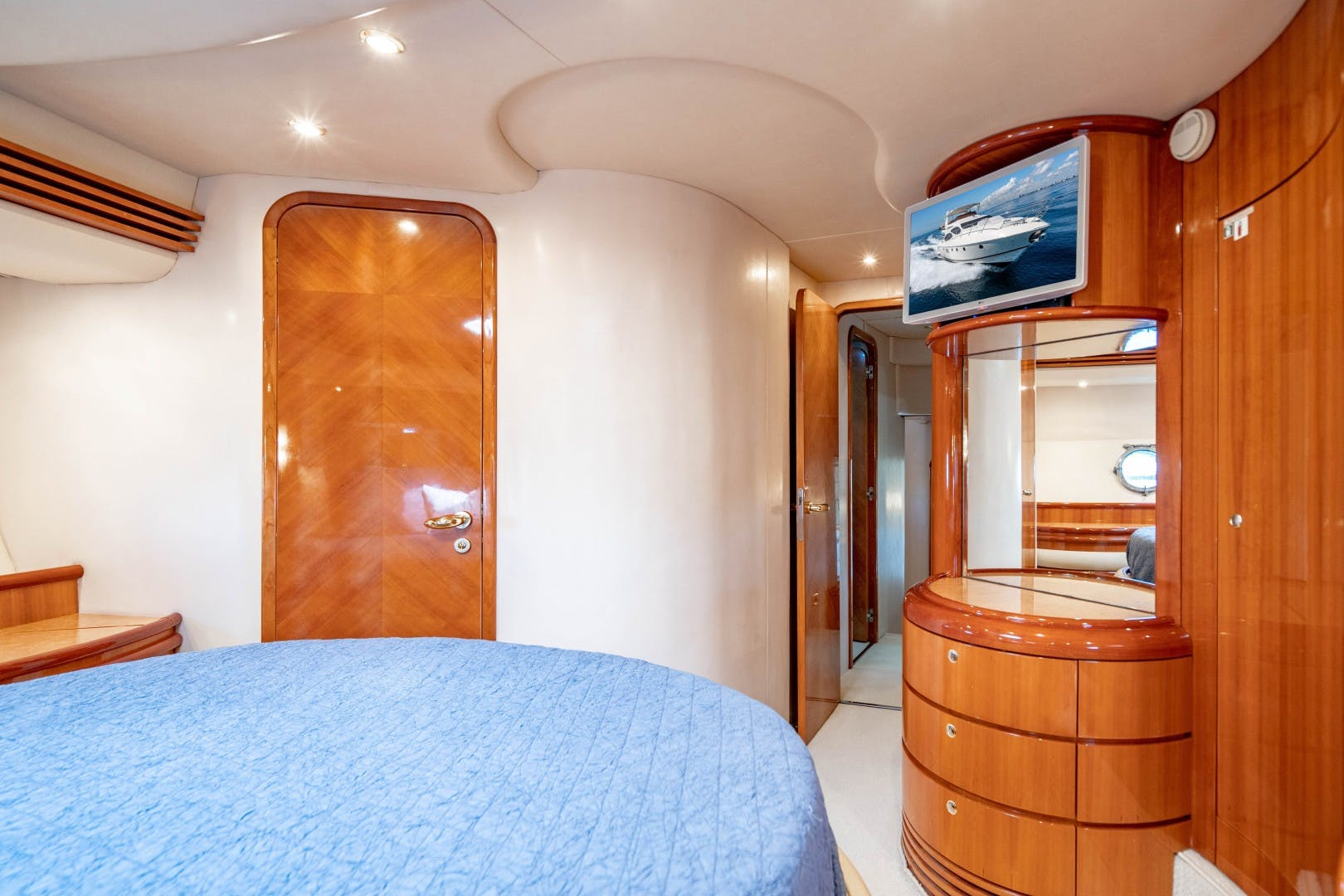 2005 Azimut 68' 68 Plus  Forever | Picture 6 of 59