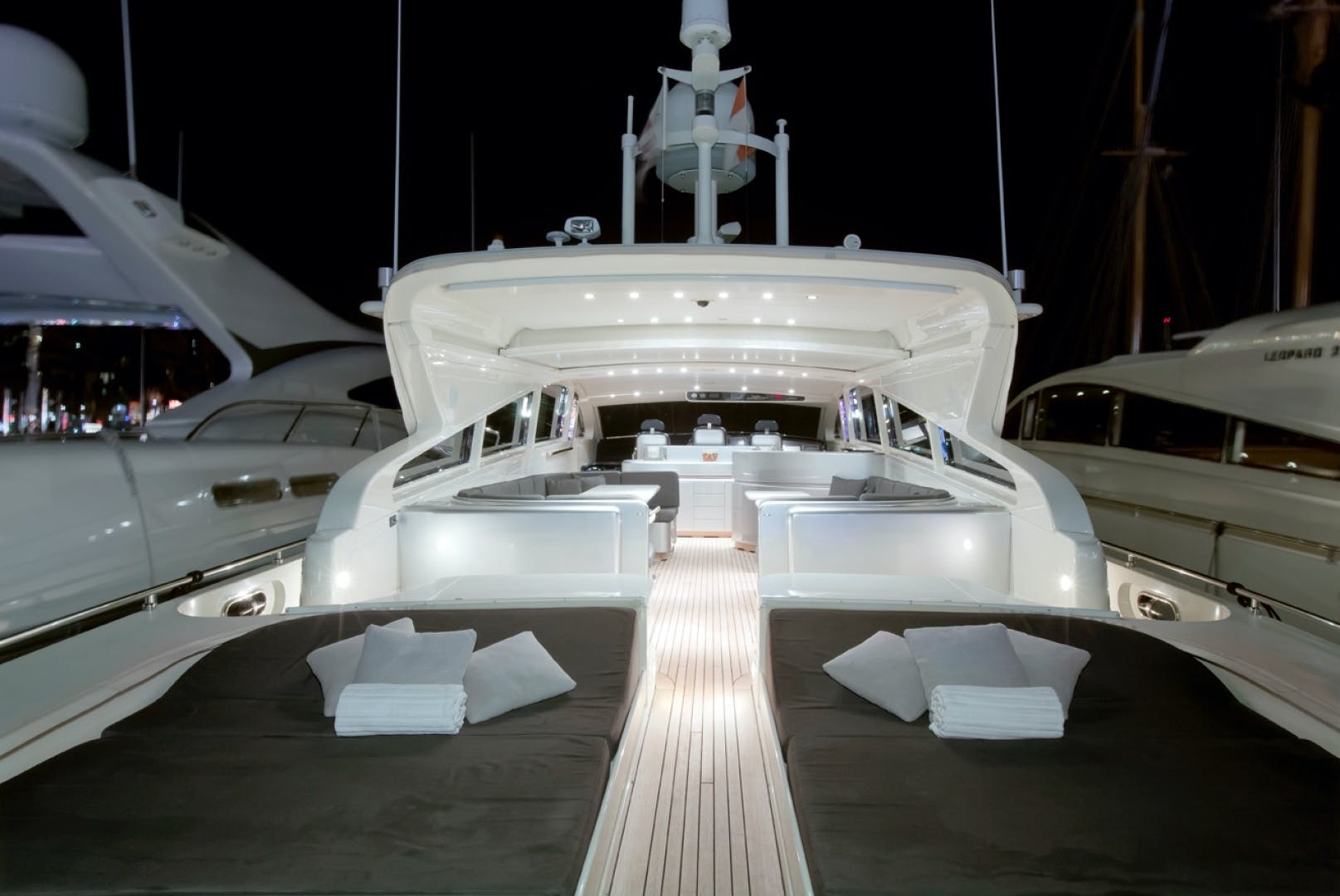 2002 Leopard 89' 89 Open    Picture 3 of 21