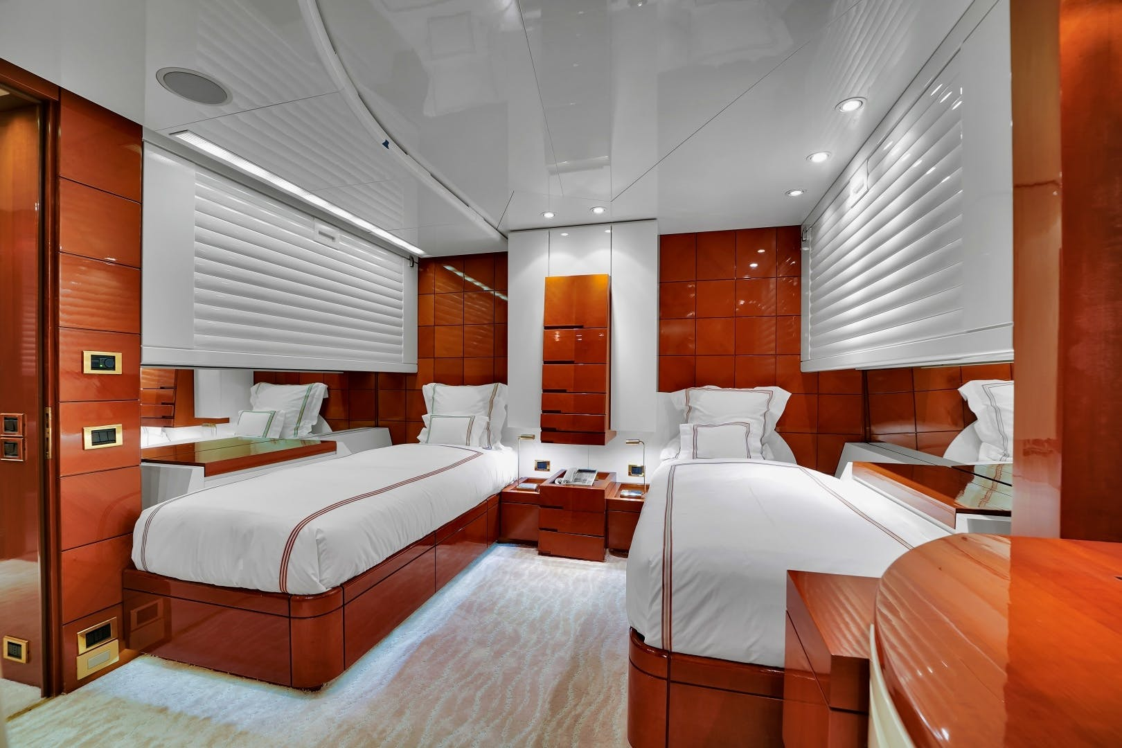 1991 Brooke Yachts 186'   | Picture 7 of 72