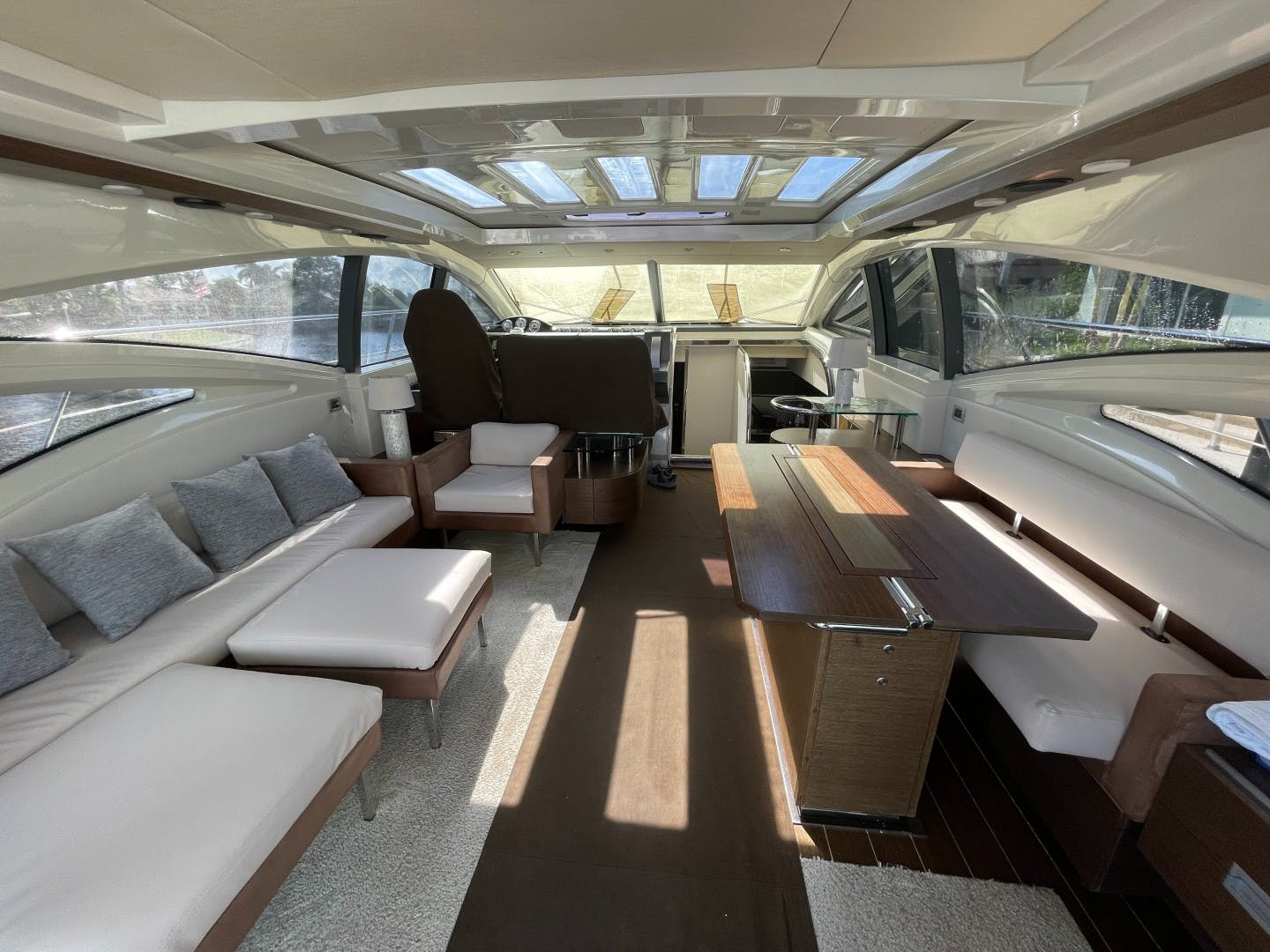 2007 Azimut 68' 68S DV8 | Picture 4 of 18