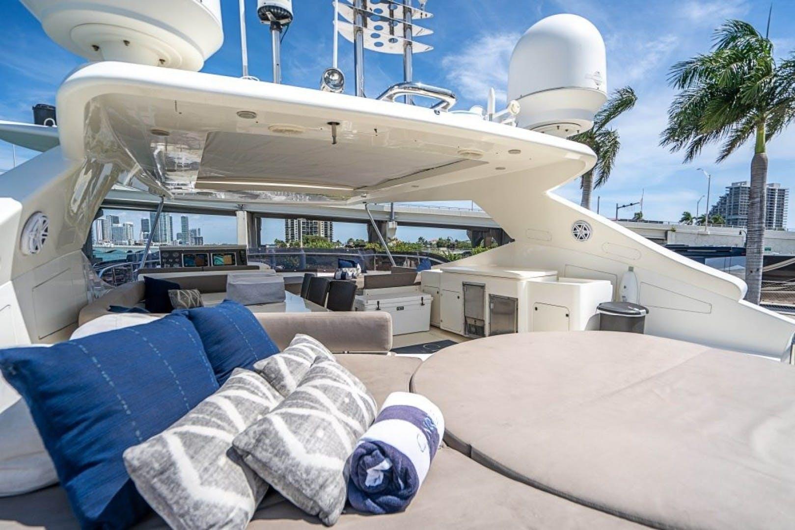 2006 Ferretti Yachts 88'  Cinque Mare | Picture 6 of 64