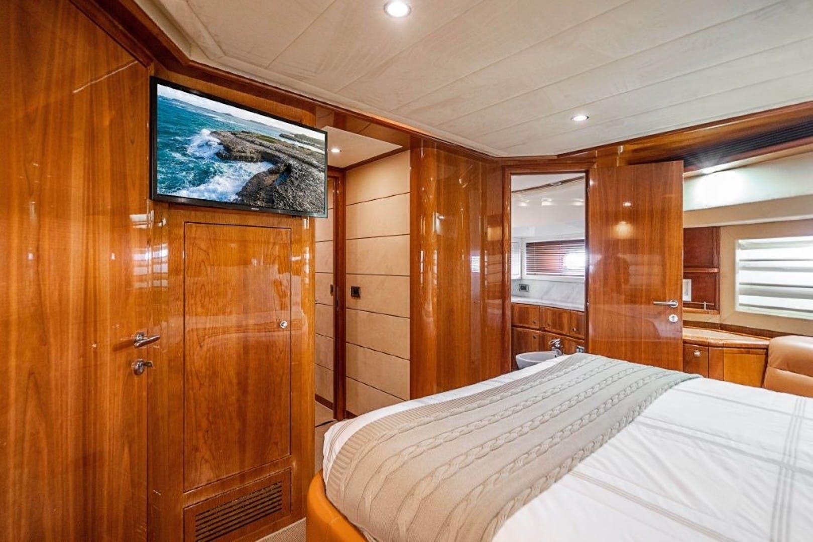 2006 Ferretti Yachts 88'  Cinque Mare | Picture 1 of 64