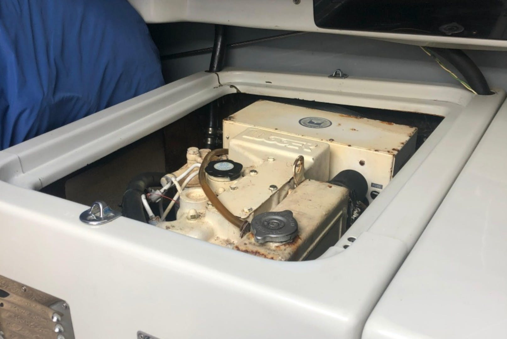 1990 Macgregor 65' Pilothouse    Picture 8 of 16