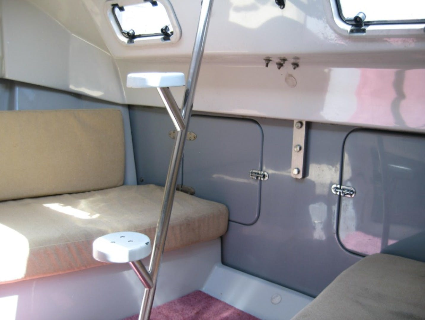 1990 Macgregor 65' Pilothouse    Picture 7 of 16