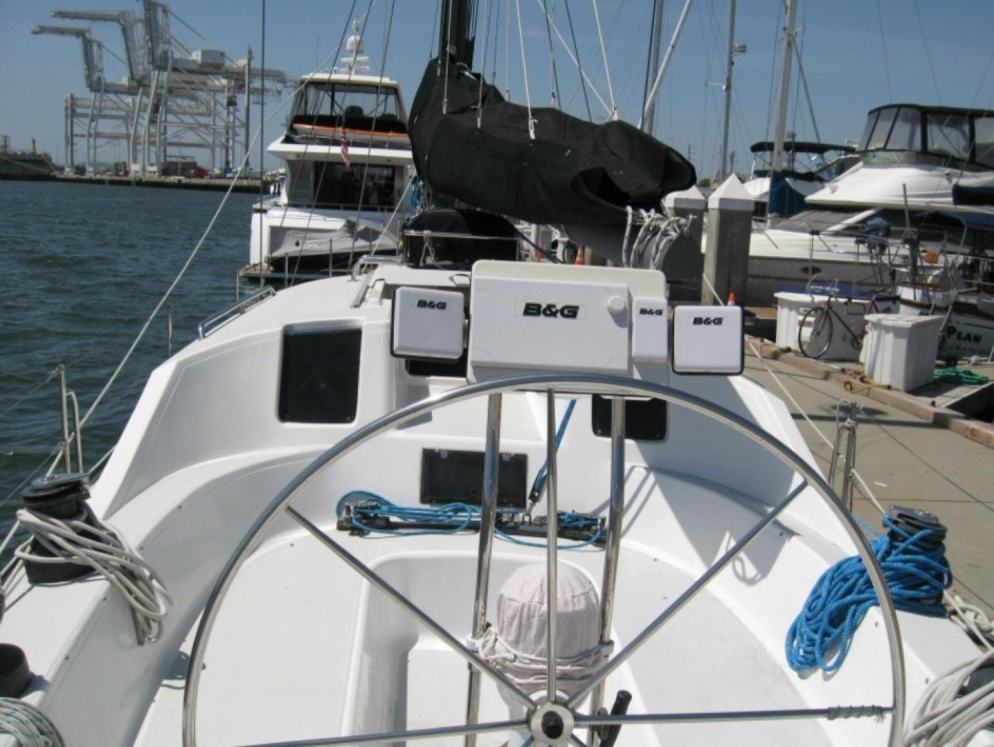 1990 Macgregor 65' Pilothouse    Picture 5 of 16