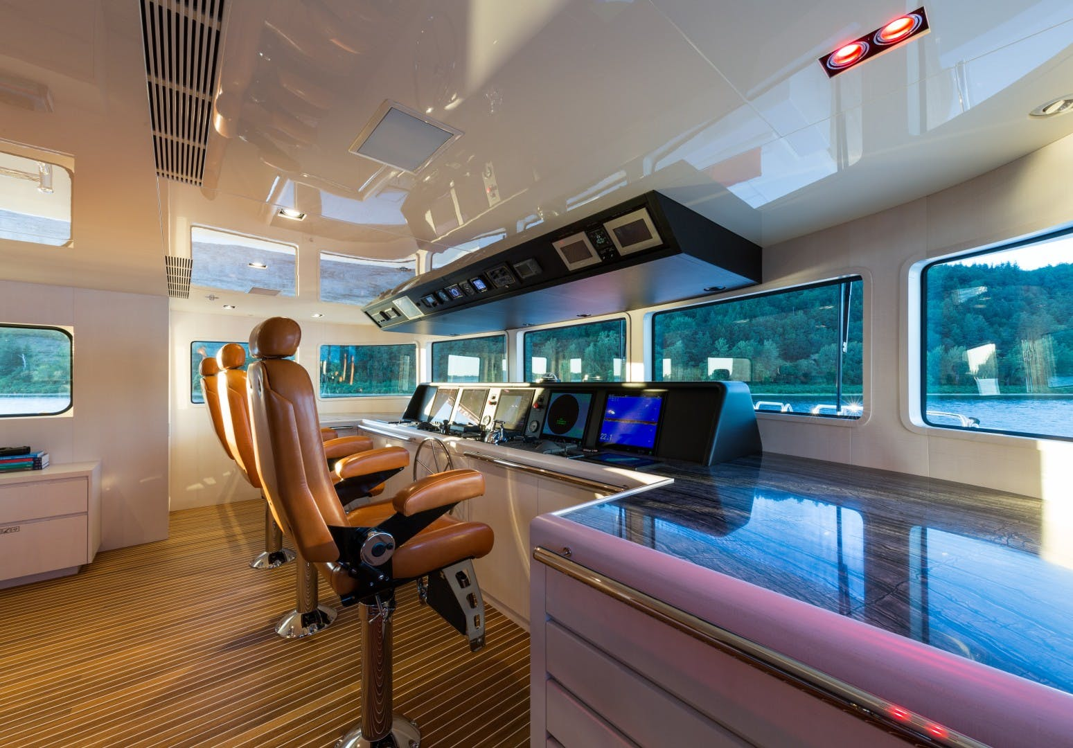 2016 Christensen 160'  CHASSEUR | Picture 6 of 27