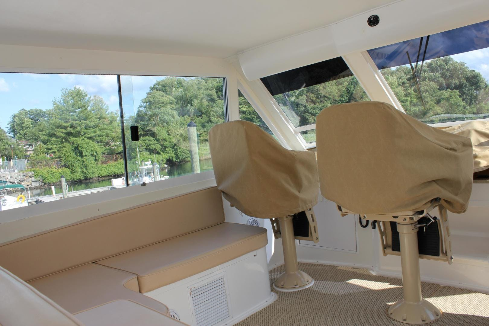 2001 Viking Cockpit Sport 60' Naples Edition ROYAL LADY D | Picture 2 of 37