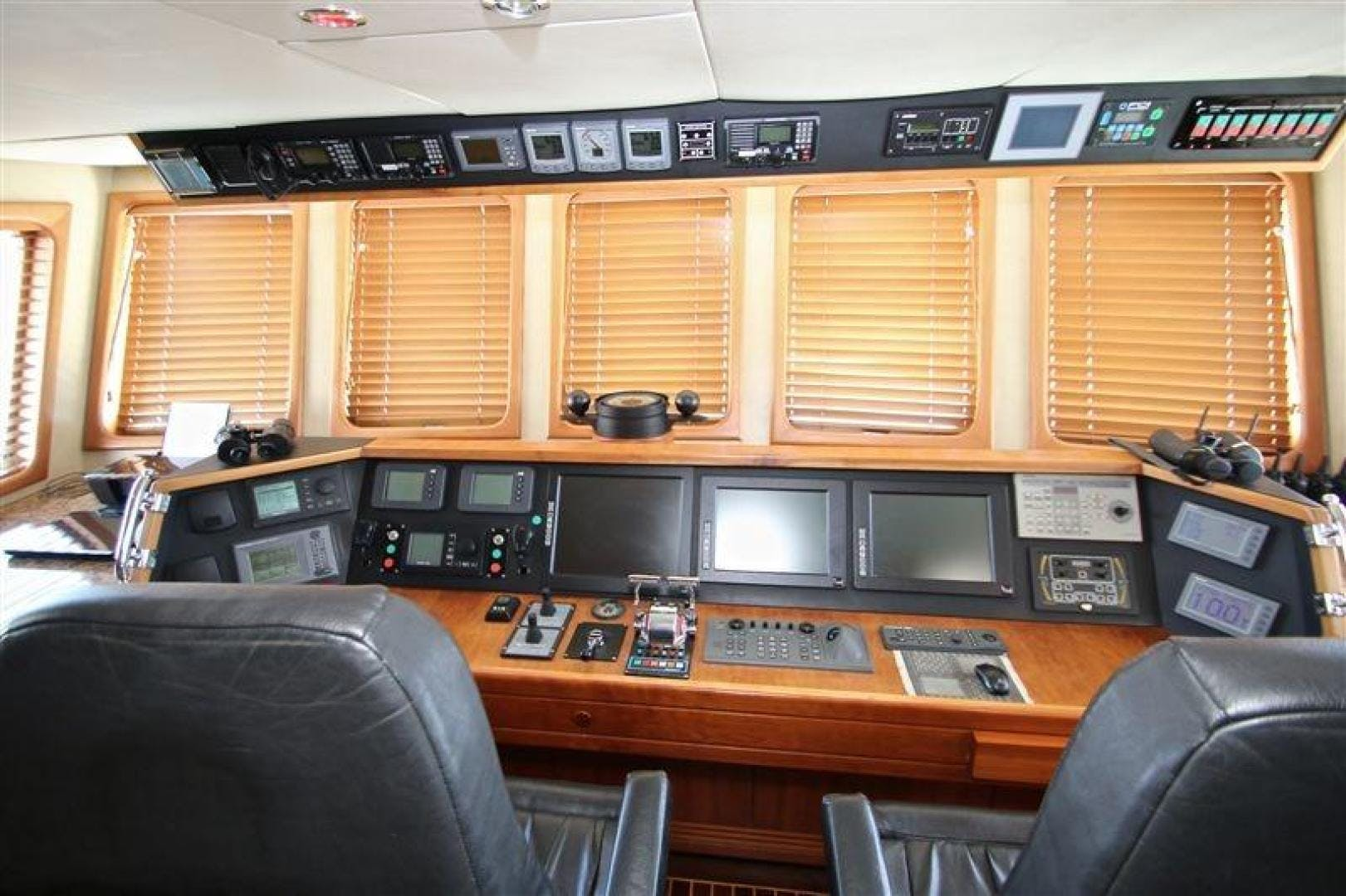2005 Explorer 95' Expedition Yacht IMPETUS | Picture 5 of 69