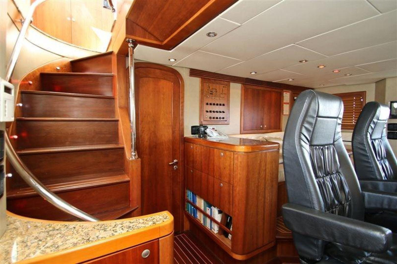 2005 Explorer 95' Expedition Yacht IMPETUS | Picture 6 of 69