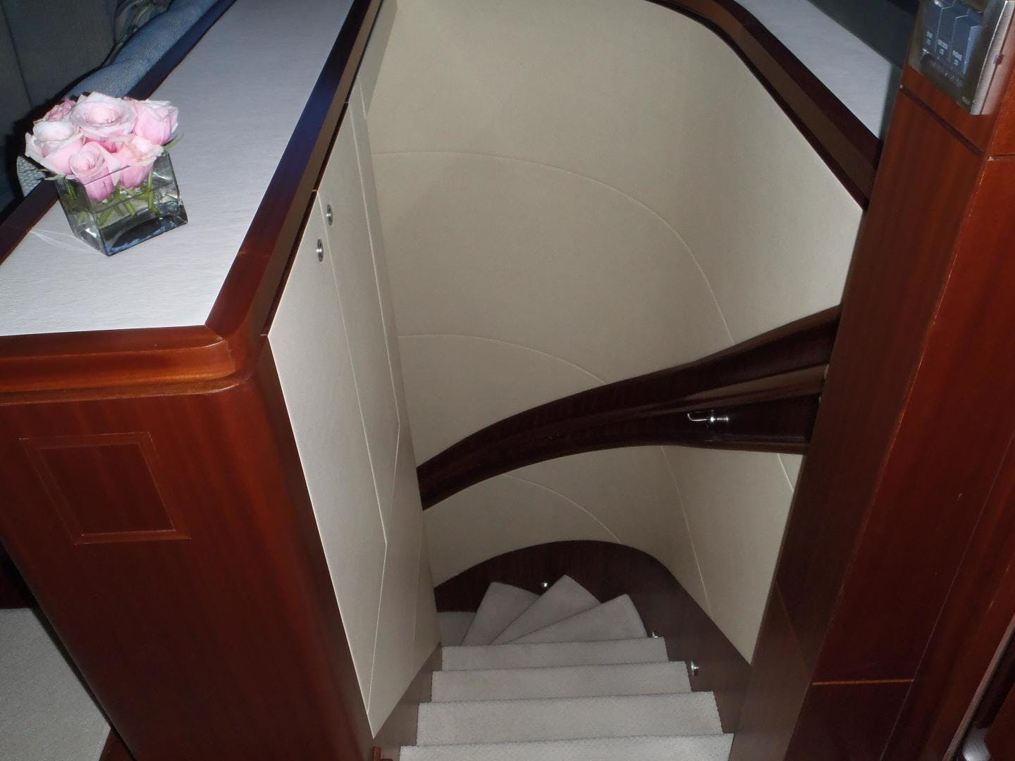 2013 Ocean Alexander 90' Sky Lounge Risky Business | Picture 7 of 65