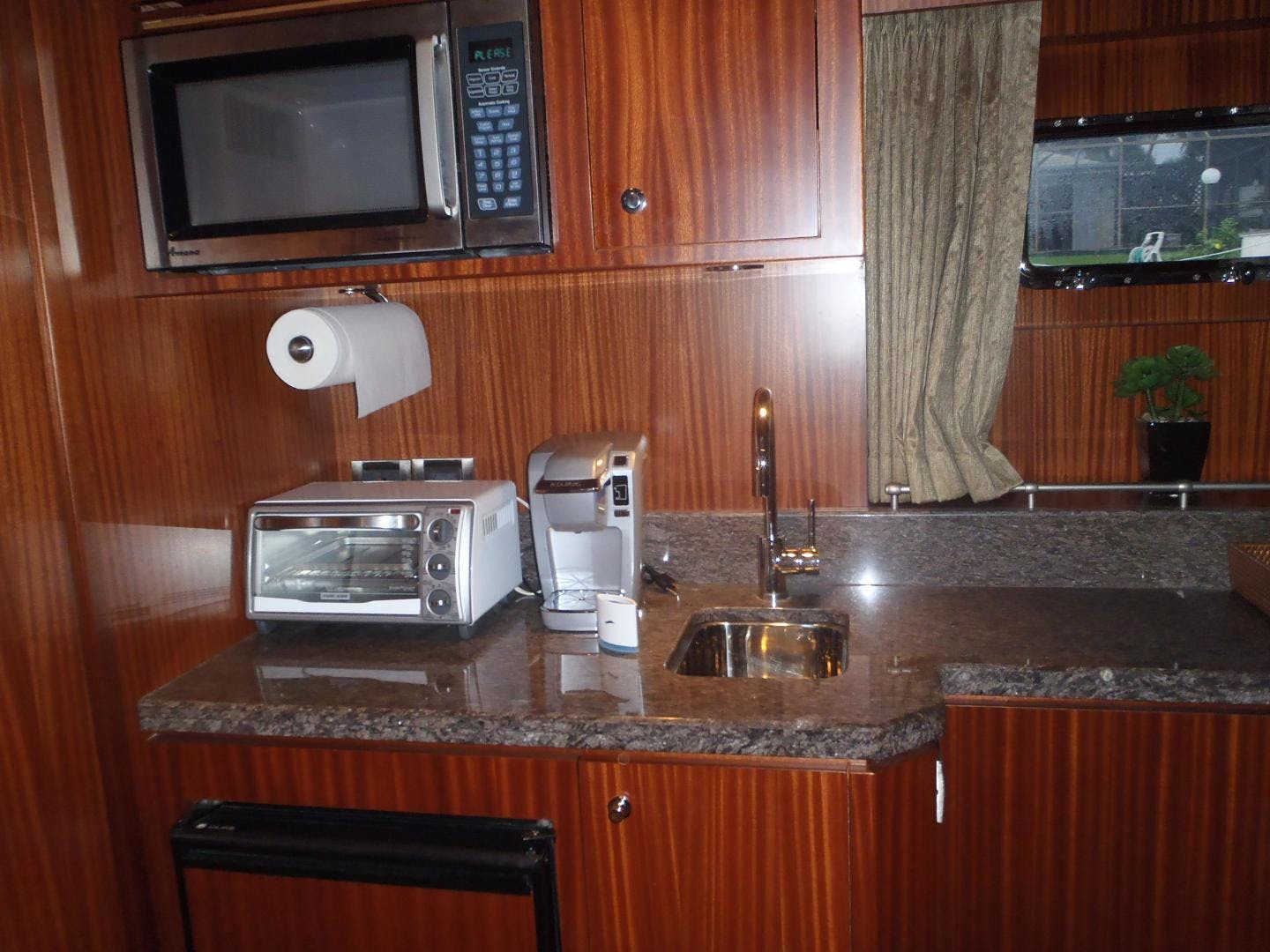 2013 Ocean Alexander 90' Sky Lounge Risky Business | Picture 8 of 65