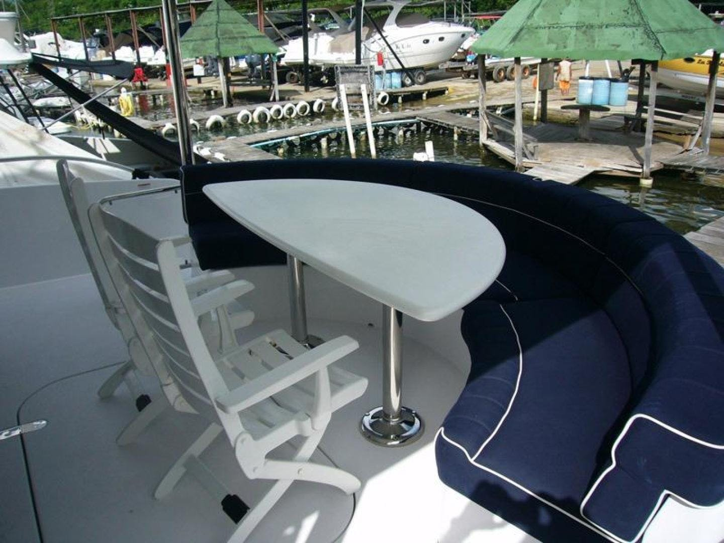 2013 Hatteras 60' 60 Motor Yacht  | Picture 4 of 14