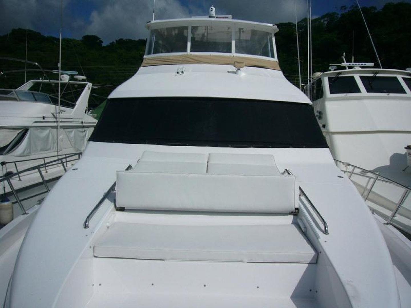 2013 Hatteras 60' 60 Motor Yacht  | Picture 3 of 14
