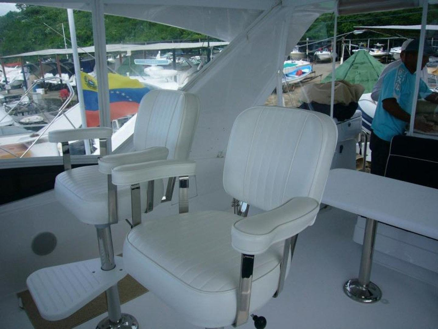 2013 Hatteras 60' 60 Motor Yacht  | Picture 7 of 14