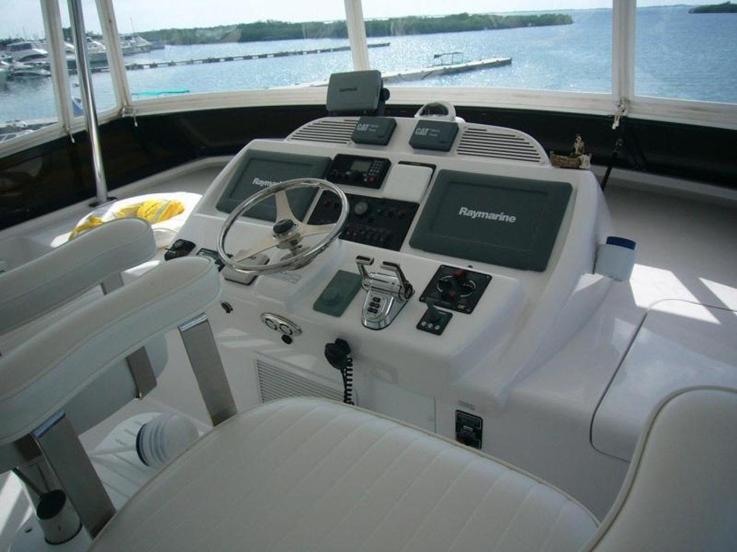 2013 Hatteras 60' 60 Motor Yacht  | Picture 6 of 14