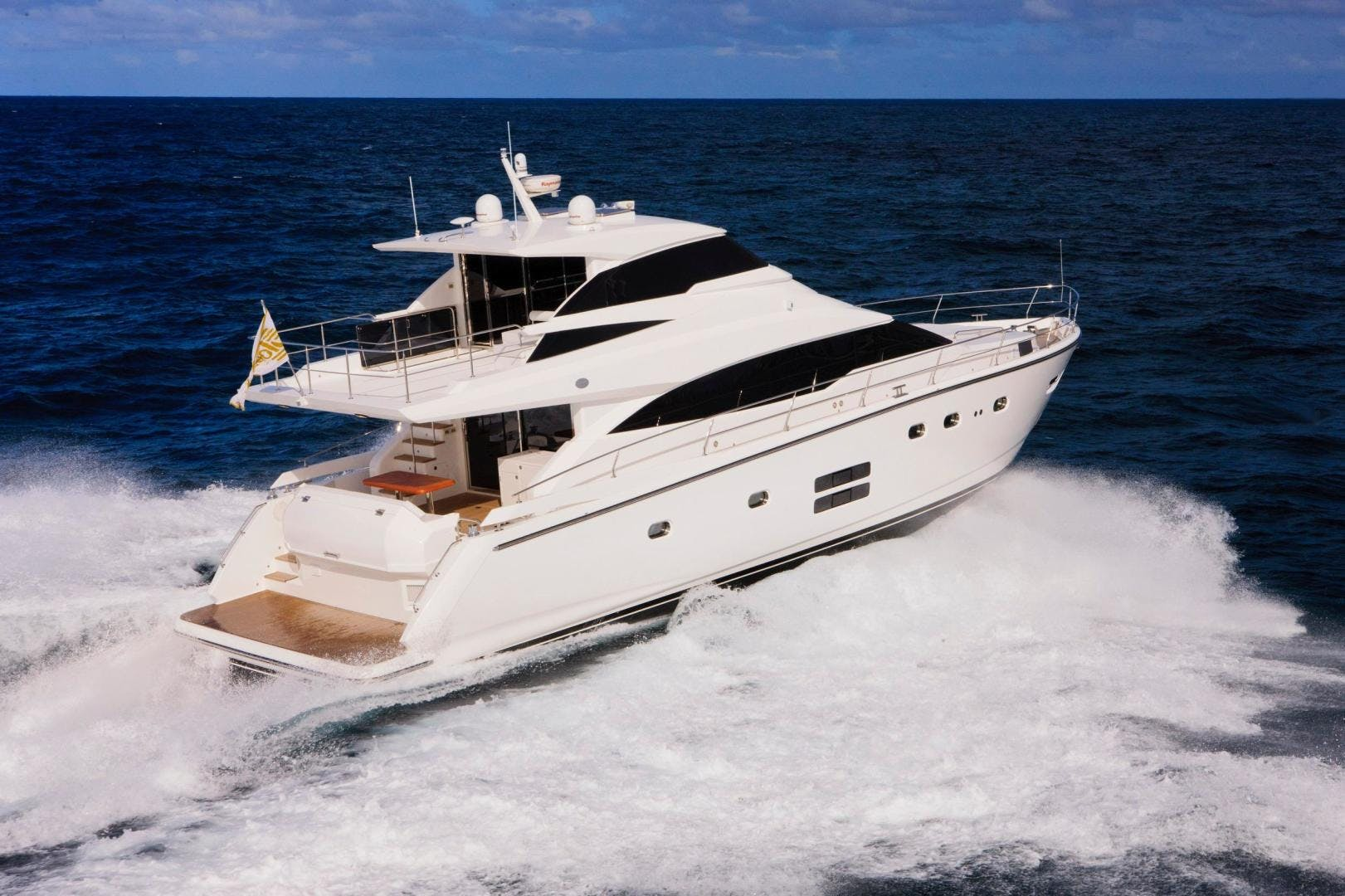 2017 Johnson 65' 65 SkyLounge M/Y    Picture 6 of 15
