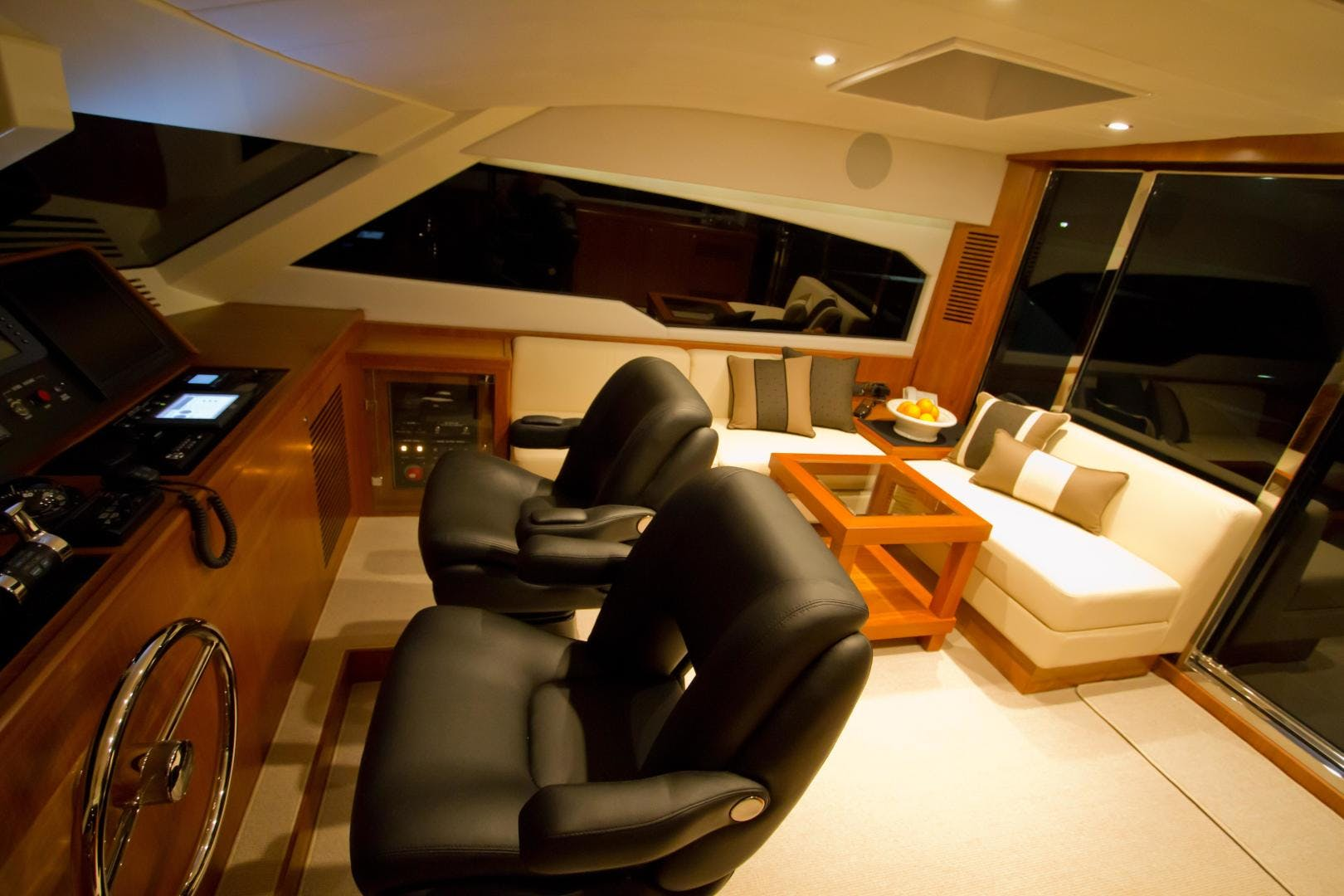 2017 Johnson 65' 65 SkyLounge M/Y    Picture 1 of 15