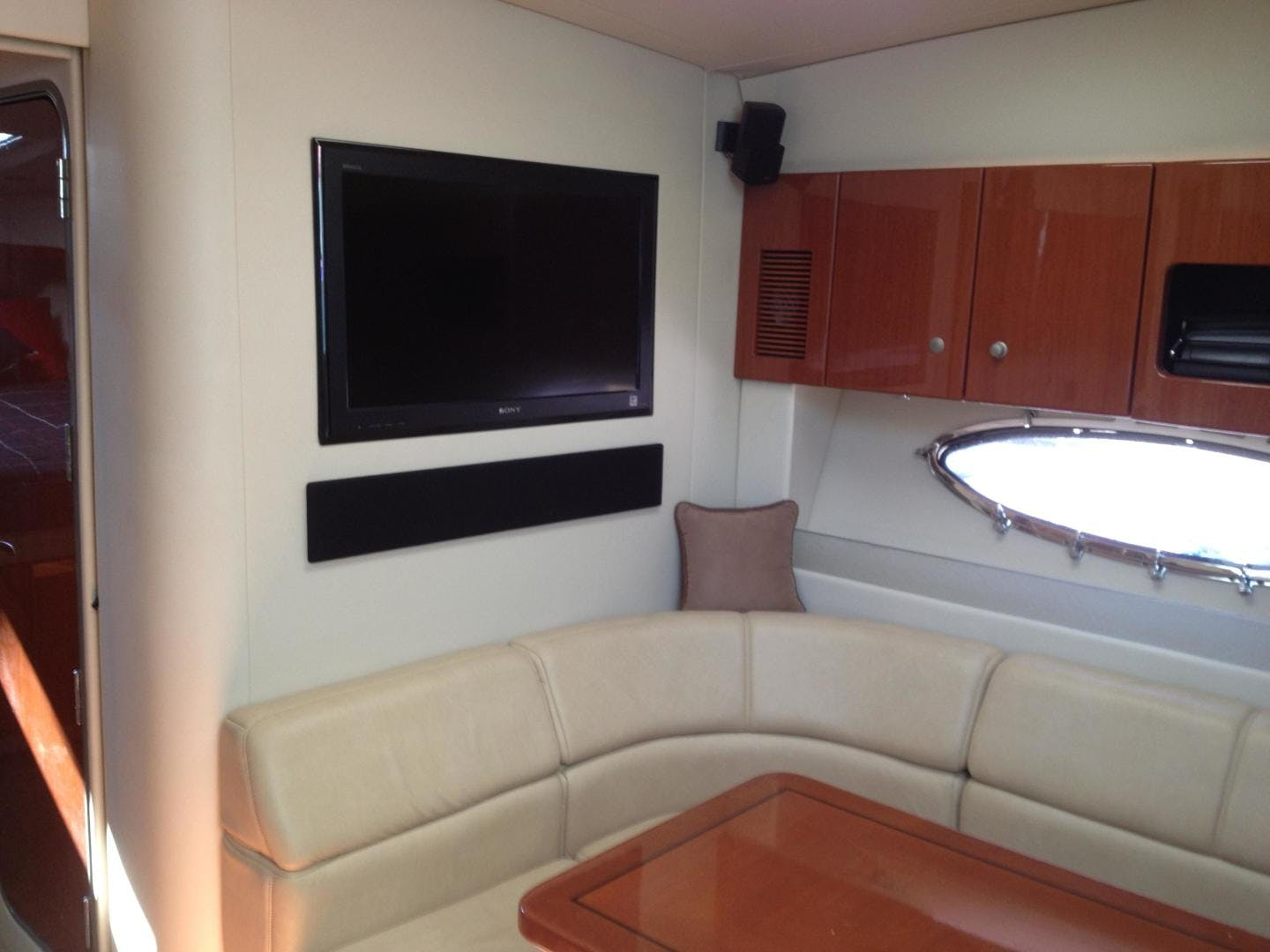 2007 Formula 45' 45 Yacht  | Picture 6 of 28