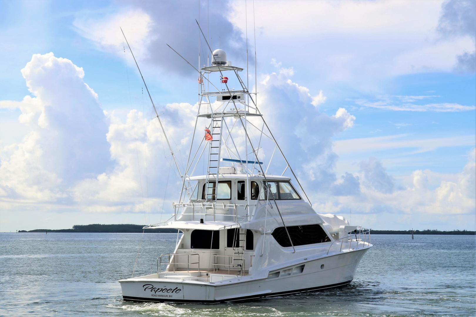 2000 Hatteras 70' 70 Convertible  | Picture 4 of 57