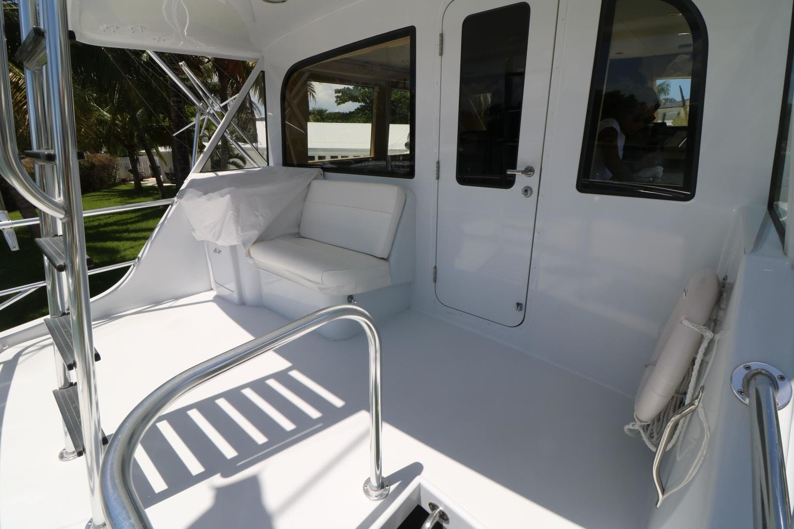 2000 Hatteras 70' 70 Convertible  | Picture 7 of 57
