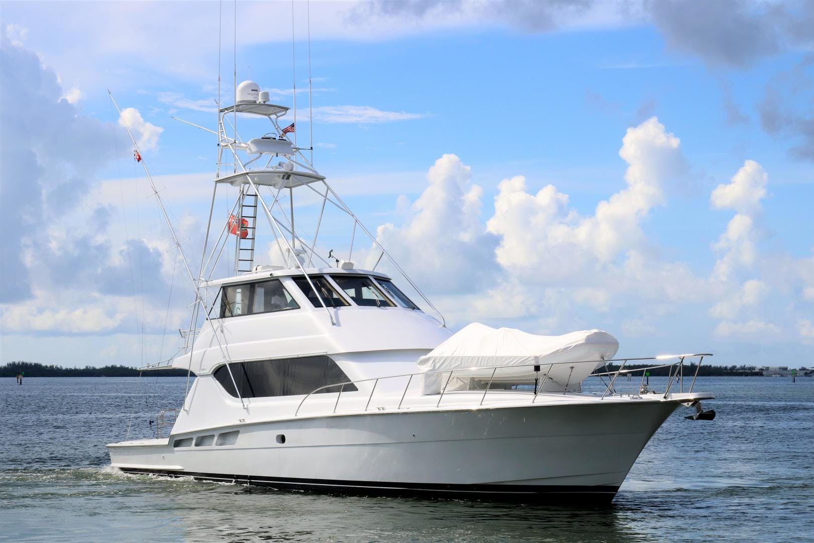 2000 Hatteras 70' 70 Convertible  | Picture 2 of 57
