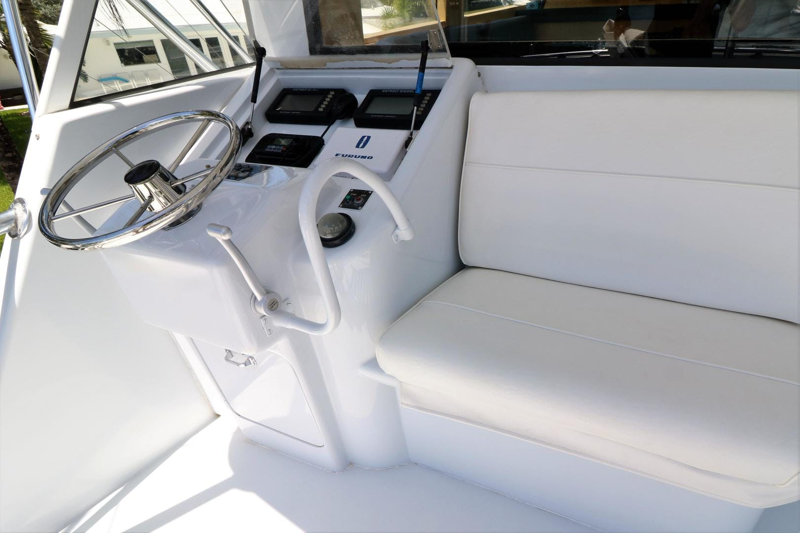 2000 Hatteras 70' 70 Convertible  | Picture 8 of 57