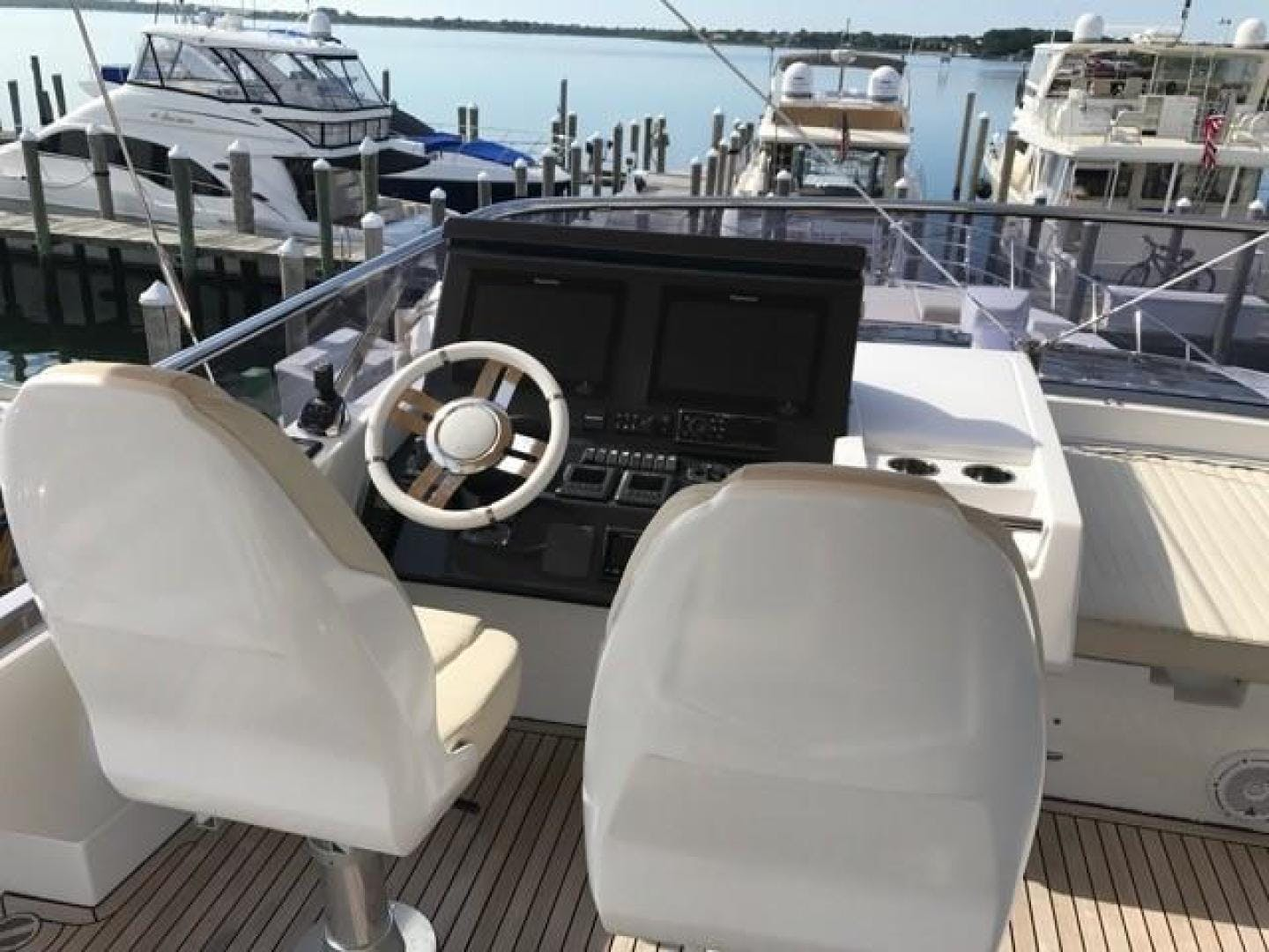 2017 Azimut 77' 77S SILVER SKY 2.0 | Picture 4 of 25
