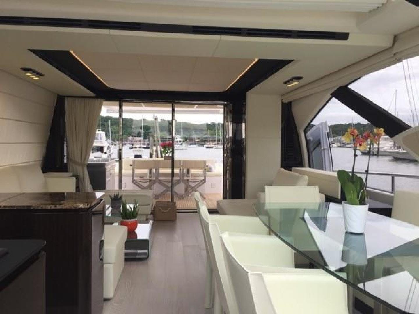 2017 Azimut 77' 77S SILVER SKY 2.0 | Picture 3 of 25