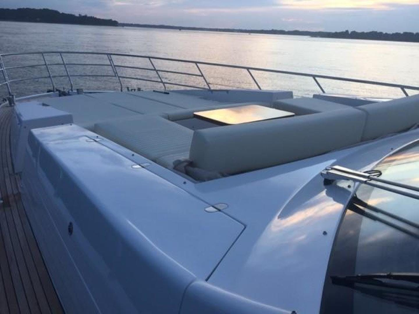2017 Azimut 77' 77S SILVER SKY 2.0 | Picture 7 of 25