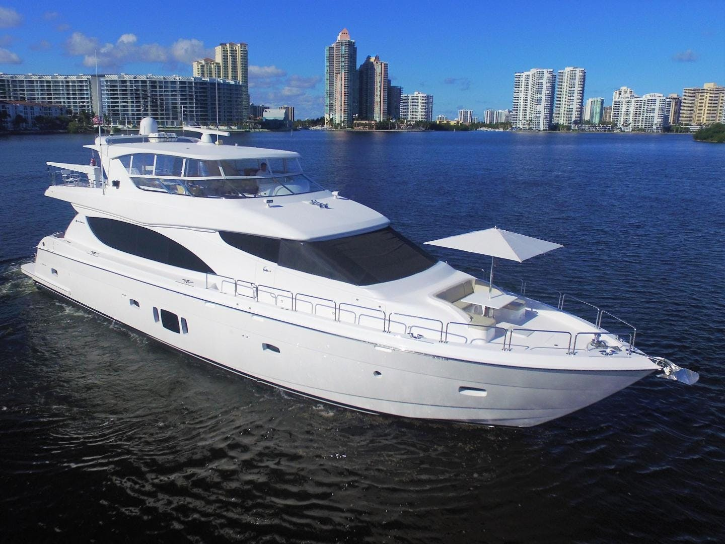 2015 Hatteras 80' 80 Motor Yacht Daddy   Picture 1 of 112
