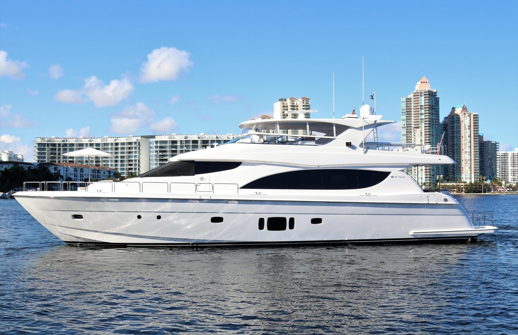 2015 Hatteras 80' 80 Motor Yacht Daddy   Picture 2 of 112