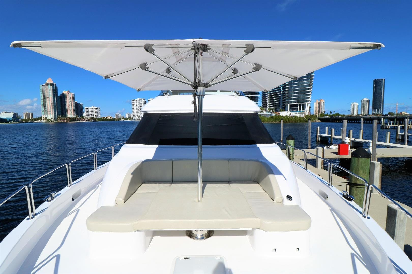 2015 Hatteras 80' 80 Motor Yacht Daddy   Picture 3 of 112