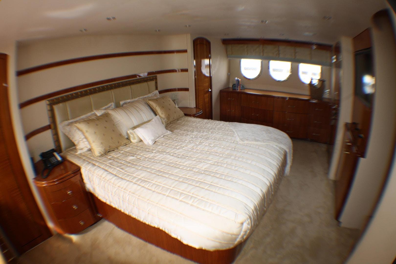 2005 Hatteras 80' 80 Motor Yacht Miscori | Picture 6 of 81