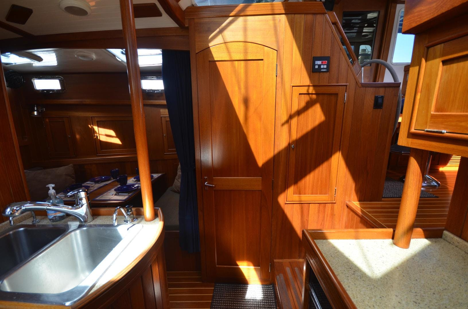 2010 Shannon 60' 53 HPS 60 Motorsailor The Harlen Wood | Picture 6 of 49