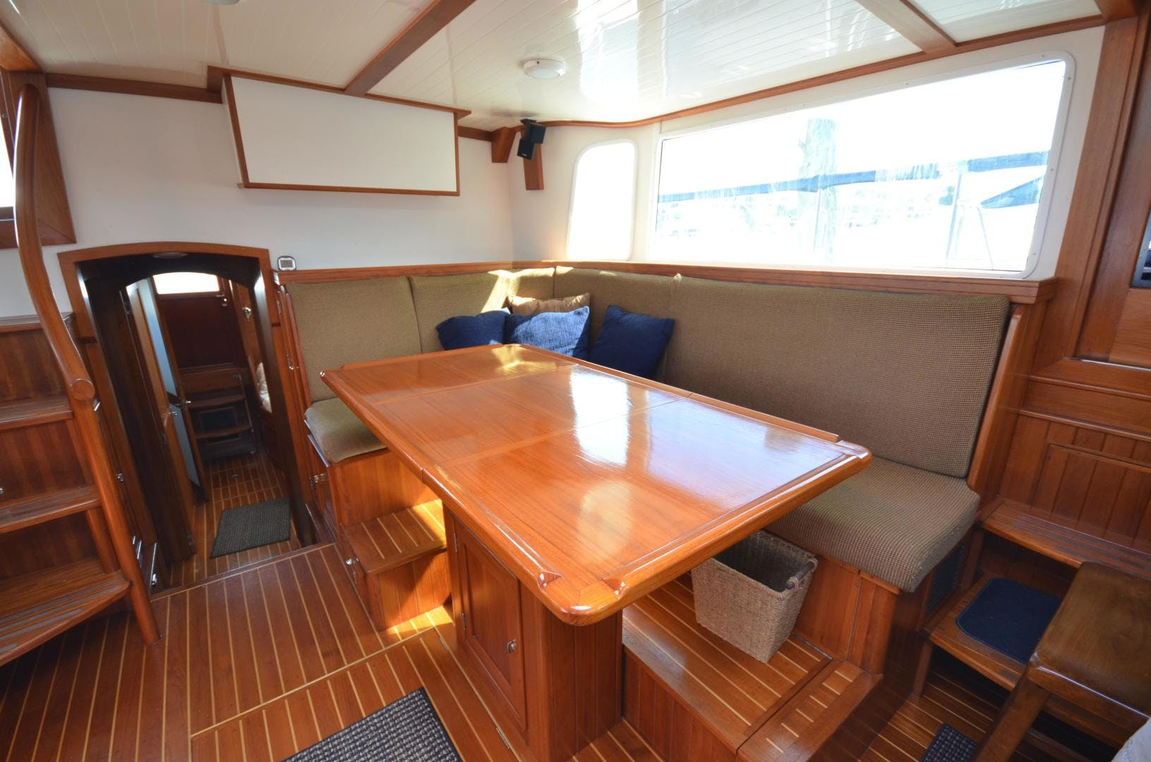2010 Shannon 60' 53 HPS 60 Motorsailor The Harlen Wood | Picture 7 of 49