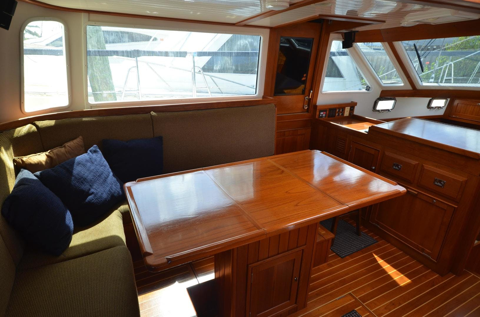 2010 Shannon 60' 53 HPS 60 Motorsailor The Harlen Wood | Picture 4 of 49