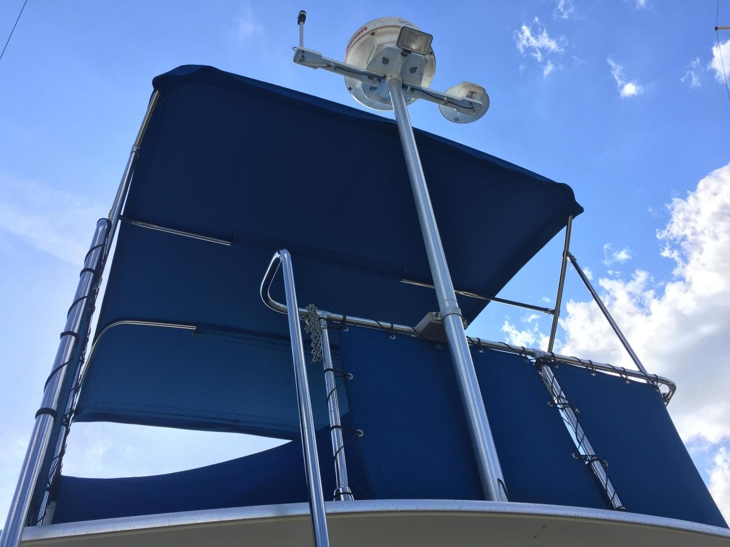 1973 Chris-Craft 36' Commander  | Picture 6 of 43