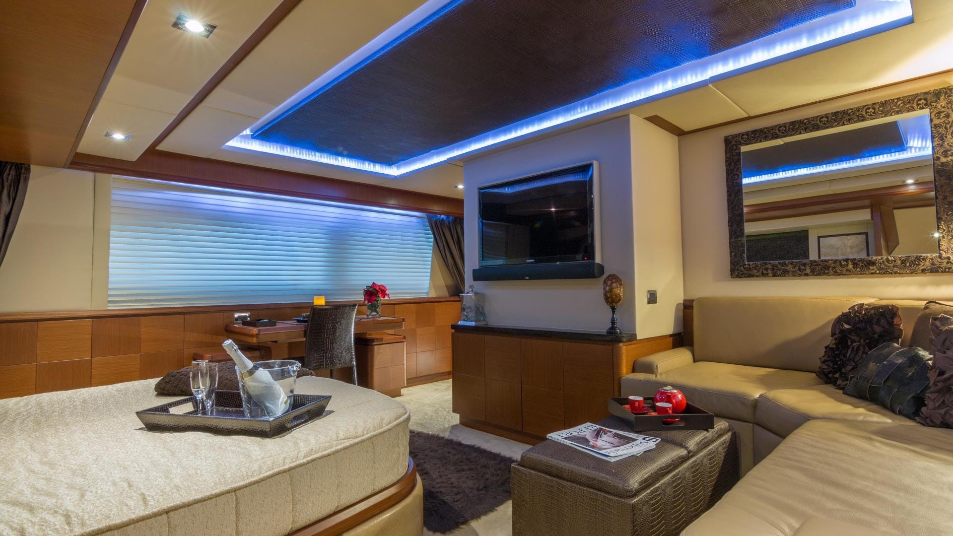 2005 Azimut 105' 105  | Picture 1 of 35